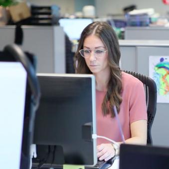 federal medarbejder dating politik online dating seksuelle spørgsmål