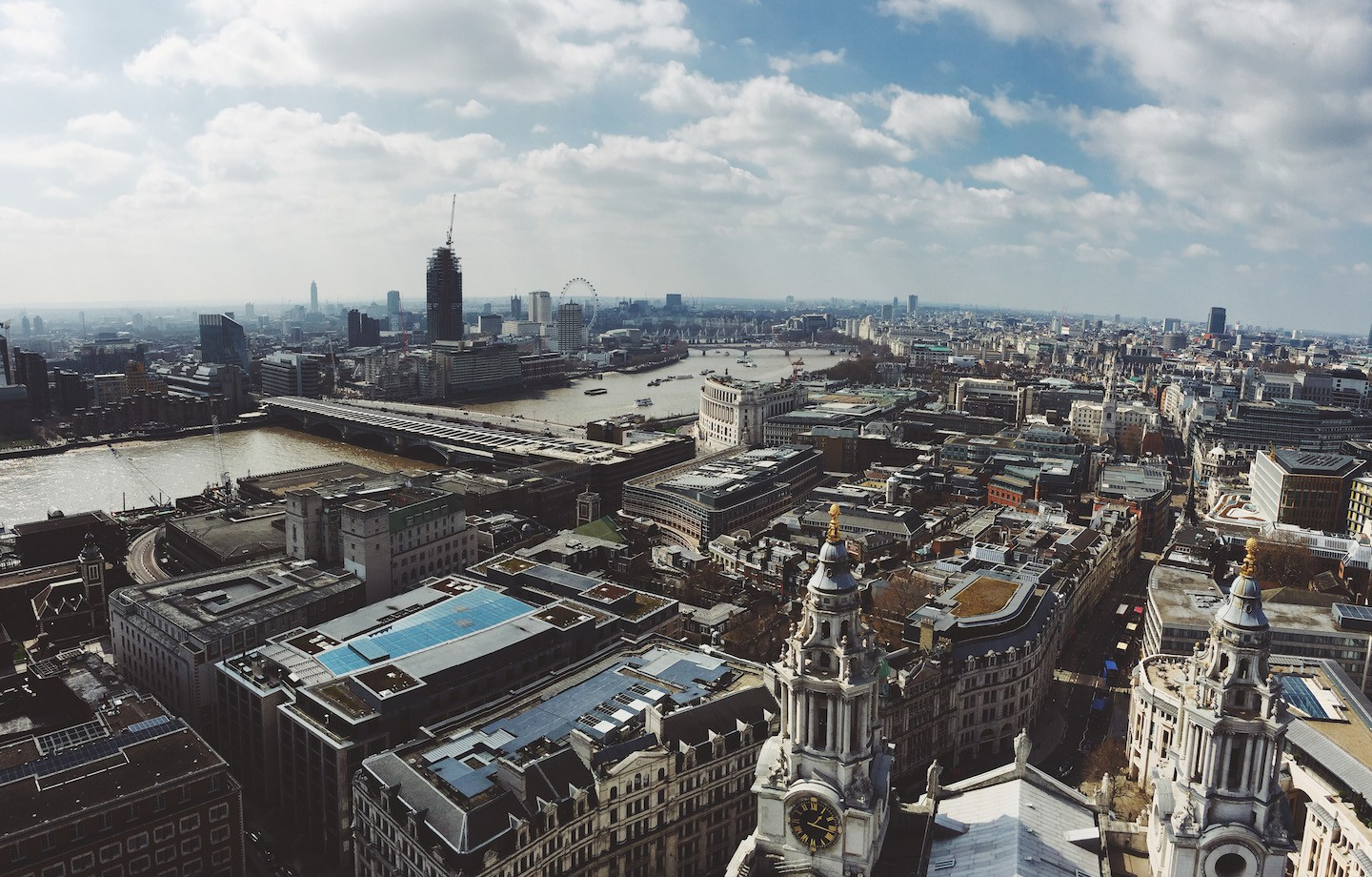 A guide to investment banking internships in London