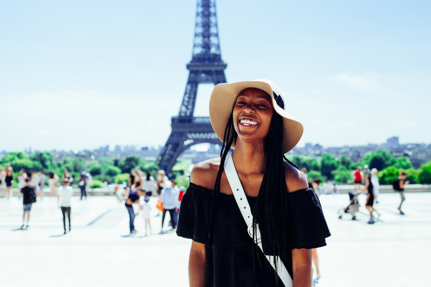 Why moving abroad can be great for your career - Graduateland